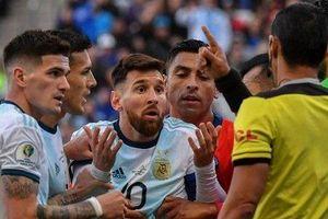 Chỉ trích CONMEBOL, Messi có thể bị cấm thi đấu hai năm cho Argentina
