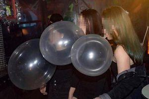 Cảnh sát phát hiện 5.000 quả bóng cười trong ngôi nhà ở Đà Nẵng