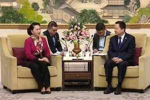 Chủ tịch Quốc hội Nguyễn Thị Kim Ngân tiếp Bí thư Thành ủy Tô Châu
