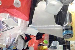 Triển lãm 'Xả rác ít thôi!': Góc nhìn mới về vấn nạn rác thải