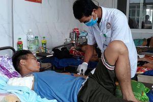 Tự điều trị rắn độc cắn, nạn nhân phải cắt bỏ cánh tay