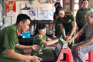 Công an huyện Thiệu Hóa lưu động cấp căn cước công dân cho người nghèo