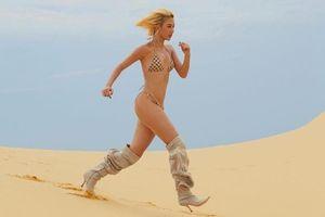 Quỳnh Anh Shyn mặc bikini chạy trên đồi cát, dân mạng kêu 'khó hiểu'