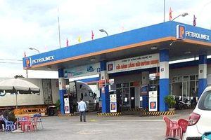 Nghệ An: Nữ nhân viên cửa hàng xăng dầu bị đâm tử vong