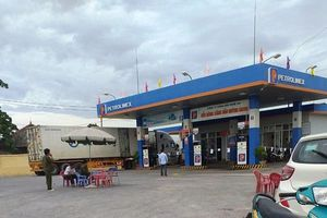 Nghệ An: Điều tra vụ nữ nhân viên bán xăng bị đâm tử vong trong đêm