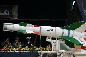 Iran cảnh báo các căn cứ của Mỹ nằm trong tầm bắn tên lửa