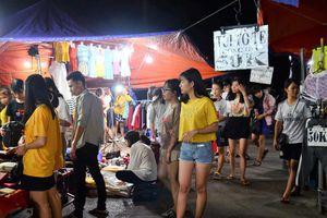 Chợ đêm ngừng hoạt động: Sinh viên luyến tiếc lưu giữ ký ức