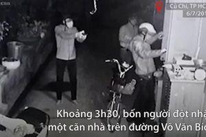 Nóng: Băng trộm rút súng uy hiếp chủ nhà ở Sài Gòn