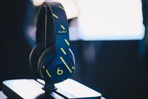 Beats hợp tác Aston Martin tạo nên Studio3 phiên bản siêu hiếm dành cho tay đua