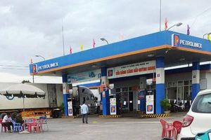 Nghệ An: Kẻ bịt mặt đâm chết nữ nhân viên bán xăng dầu