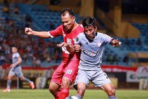 Vừa mất vị trí đầu bảng, TP.HCM thông báo xuống Vũng Tàu đá V-League