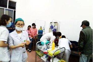 Đình chỉ hoạt động cơ sở nấu cỗ cưới ở Lâm Đồng khiến 136 người ngộ độc