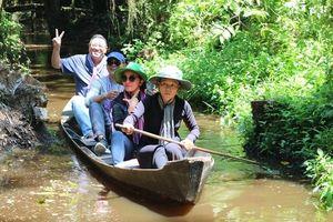 Đoàn Famtrip ở TP.Hồ Chí Minh khảo sát các điểm du lịch tại Đồng Tháp