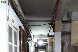 Di dời khỏi chung cư Bùi Viện: Dân lo không có ngày trở lại