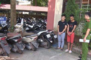 Bắt nhóm đối tượng vận chuyển xe máy không giấy tờ sang Trung Quốc