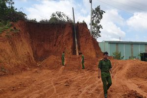 Phát hiện kho đạn cối dưới chân đèo Bảo Lộc, Lâm Đồng