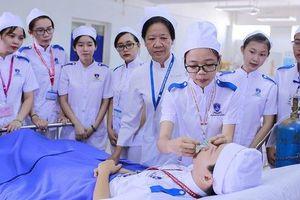 Bộ Y tế đề nghị các cơ sở đào tạo không thực hiện đào tạo định hướng chuyên khoa