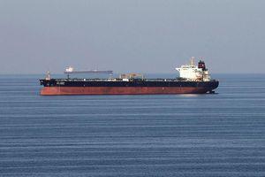 5 xuồng vũ trang Iran bắt hụt tàu chở dầu Anh