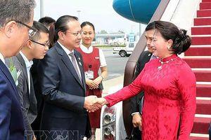 Chủ tịch Quốc hội tiếp lãnh đạo các doanh nghiệp Trung Quốc