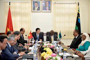 Việt Nam luôn coi trọng và mong muốn mở rộng hợp tác với Tan-da-ni-a
