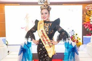 Nữ hoàng văn hóa tâm linh: Người đẹp không hiểu sao...