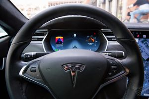 Cựu nhân viên Tesla lén tải mã nguồn xe tự lái lên iCloud