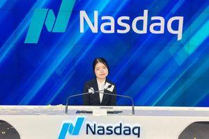 Nữ sinh Việt rung chuông khai mạc sàn chứng khoán NASDAQ New York