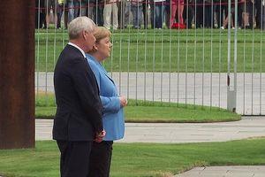 Thủ tướng Đức Merkel lại run lẩy bẩy khi đón khách
