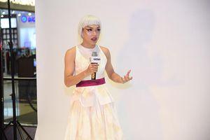 Top Model Online: Thí sinh 'cãi tay đôi' với Á hậu Mâu Thủy