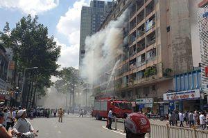 TP.HCM: Cháy ký túc xá trường cao đẳng, nhiều người được giải cứu kịp thời