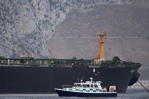 Mỹ: Iran tìm cách bắt giữ tàu chở dầu của Anh trên Vịnh Persian