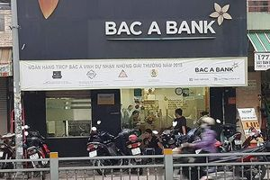 Bắt đối tượng nghi dùng súng cướp ngân hàng ở Sài Gòn