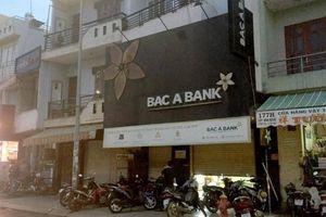 Công an vây bắt nghi phạm cướp ngân hàng ở TP.HCM