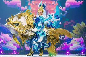 National Costume của Miss Grand Thailand 2019: Nải chuối - Con cua cũng lộng lẫy đến choáng ngợp!