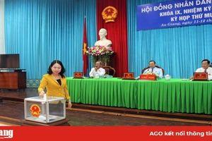 Kỳ họp thứ 11, HĐND tỉnh khóa IX miễn nhiệm và bầu bổ sung thành viên UBND tỉnh