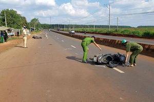 Hai xe máy 'đấu đầu', 1 người chết, 1 người trọng thương