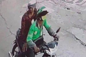 Tài xế GrabBike bị nam thanh niên cứa cổ, cướp xe máy ở TP.HCM