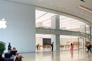 Apple Store tại 'kỳ quan sân bay' Changi có gì hấp dẫn?