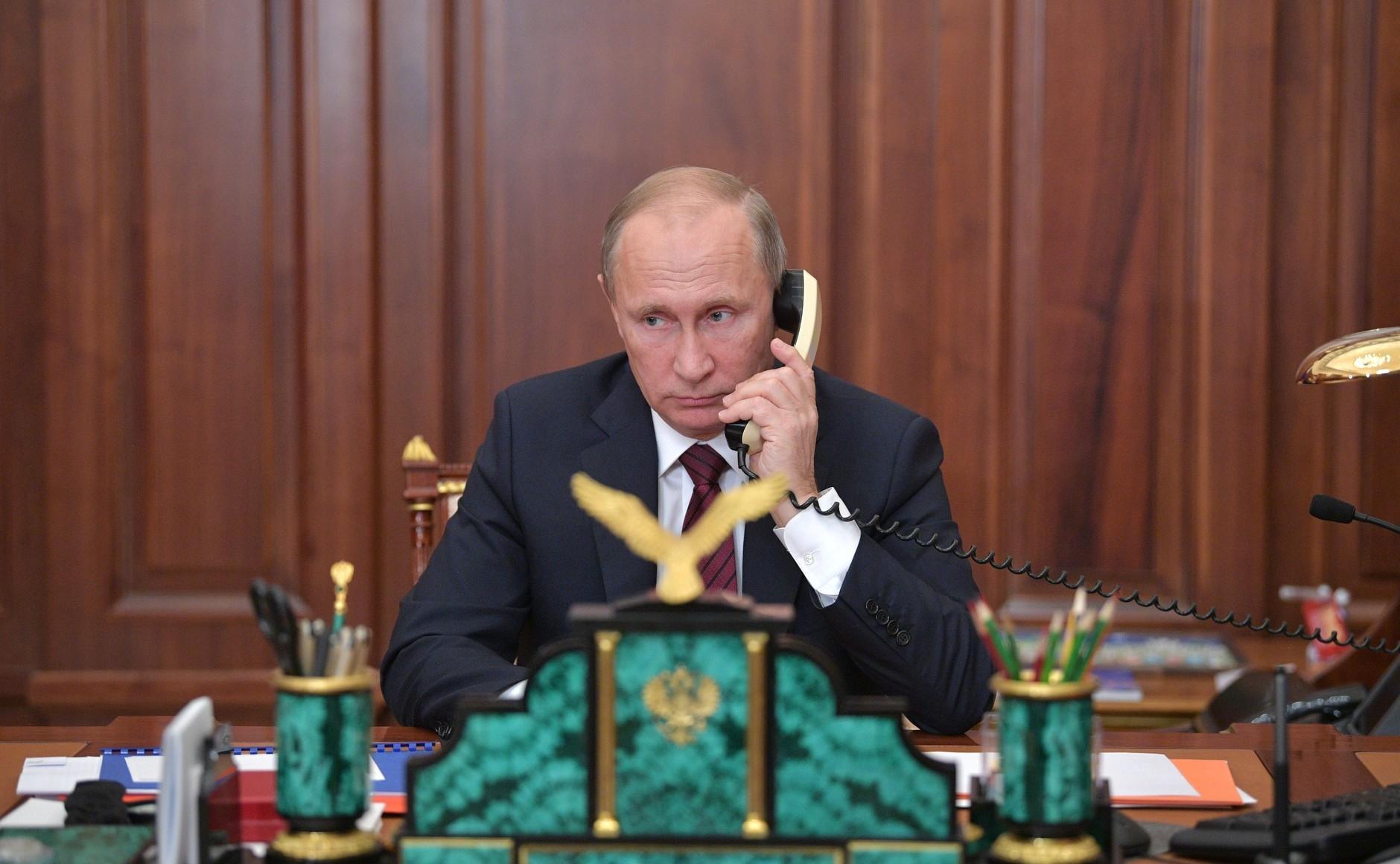Hai tổng thống Nga, Ukraine điện đàm về giải pháp cho miền đông Ukraine