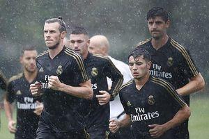 Bất chấp bị 'ghẻ lạnh', Bale vẫn đội mưa tập cùng Real