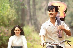 Nghe 'Có chàng trai viết lên cây', hit của Phan Mạnh Quỳnh xuất hiện trong 'Mắt biếc'