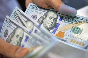 Giá USD liên ngân hàng rơi về giá mua vào của Ngân hàng Nhà nước