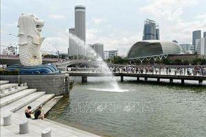 GDP Singapore tăng chậm nhất trong một thập niên