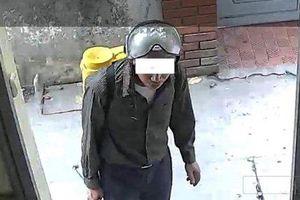 Hà Nội: Xác minh 2 người đàn ông dùng thuốc diệt muỗi gây mê, lừa tài sản