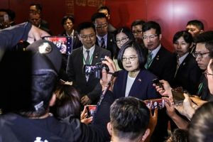 Ẩu đả nổ ra bên ngoài khách sạn bà Thái Anh Văn ở khi tới Mỹ