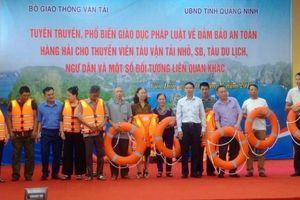 Bộ GTVT tuyên truyền Luật Hàng hải cho thuyền viên, ngư dân Quảng Ninh