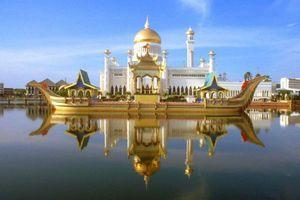 Hội hữu nghị Việt - Lào thăm lại quê hương Chủ tịch Souphanouvong