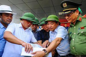 Chủ tịch Nghệ An kiểm tra việc mở lại con đường từng bị đóng