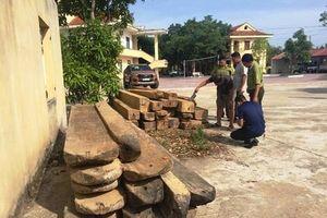 Truy đuổi xe chở gỗ lậu, kiểm lâm viên phải nhập viện vì bị 'lâm tặc' dùng đá đập vào đầu