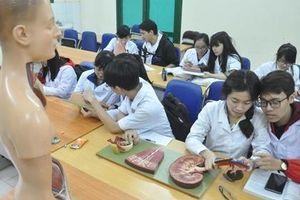 Người hành nghề khám, chữa bệnh phải tham gia kỳ thi quốc gia